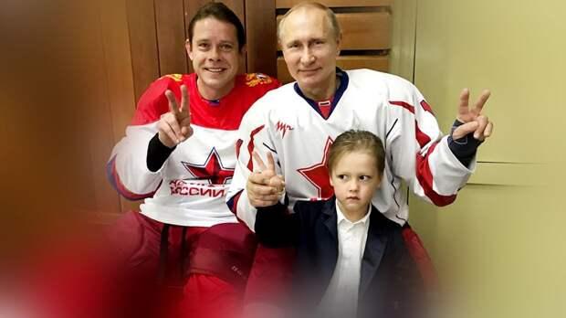 Как выглядят дети русского хоккеиста Буре. Старший только пошел в школу, а уже лично знаком с Путиным
