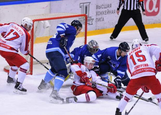 Хоккеисты «Ижстали» победили на выезде «Рязань»