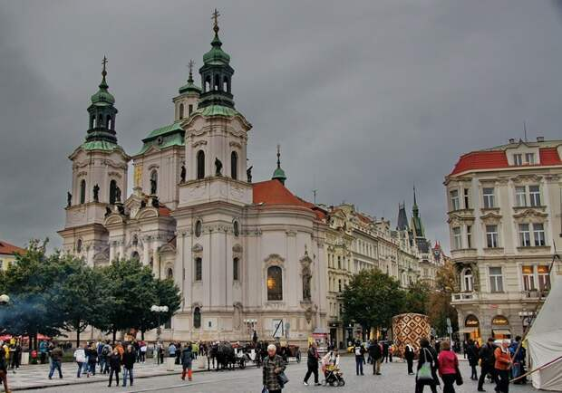 Church_of_Saint_Nicolaus_in_Prague(Old_Town) (700x490, 121Kb)