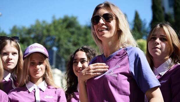 Официальный представитель МИД России Мария Захарова стала «звездной вожатой» в детском лагере «Артек» (фото)