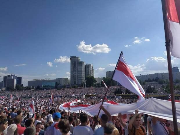 Ю.Апухтин: Белоруссия на перепутье. Что дальше?