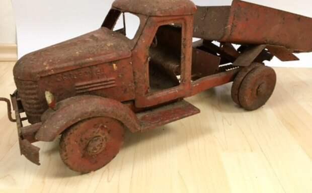 Вот почему антиквары устроили настоящую охоту за старыми игрушками!