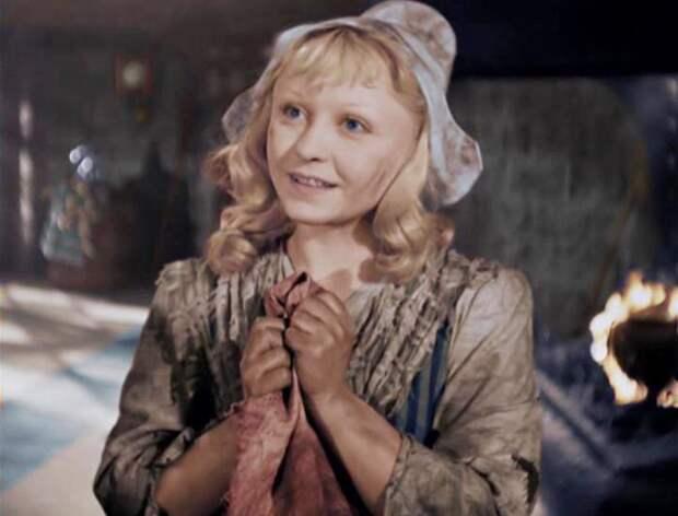 Янина Жеймо в фильме *Золушка*, 1947 | Фото: kino-teatr.ru
