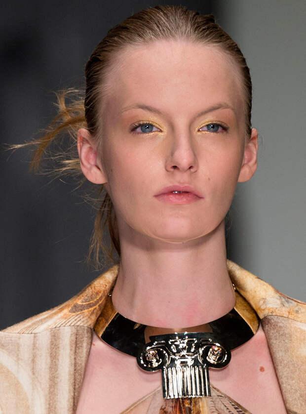 Модные ошейники и другие украшения на шею