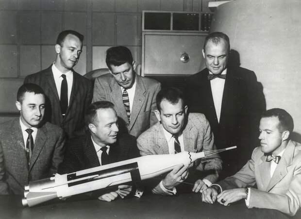12. 1959. Семь астронавтов для первой пилотируемой космической программы США «Меркурий»