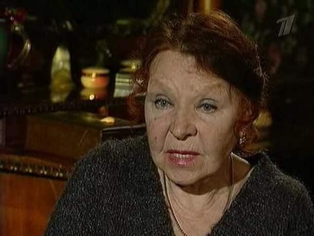 """Нина Ургант рассказала о предосторожностях из-за COVID: """"Не выхожу из дома совсем"""""""