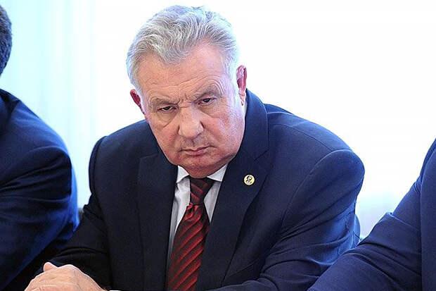 Экс-губернатор Хабаровского края Ишаев получил условный срок за растрату
