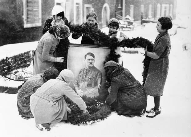 Как нацисты прибрали к рукам Рождество