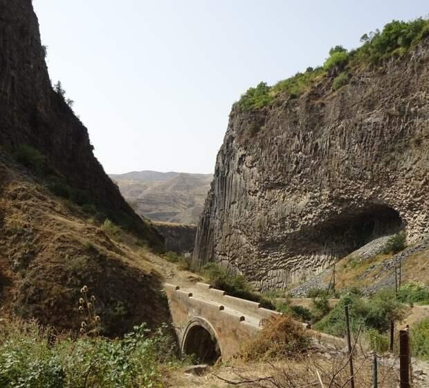 МИР ВОКРУГ. Пейзажи Армении