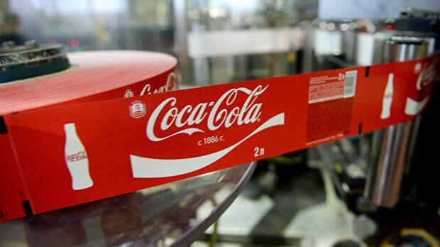 Coca-Cola приостанавливает размещение рекламы во всех социальных сетях