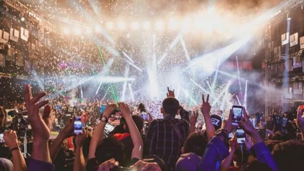 Отмены концертов в Петербурге: переживет ли российская музыка новую COVID-волну