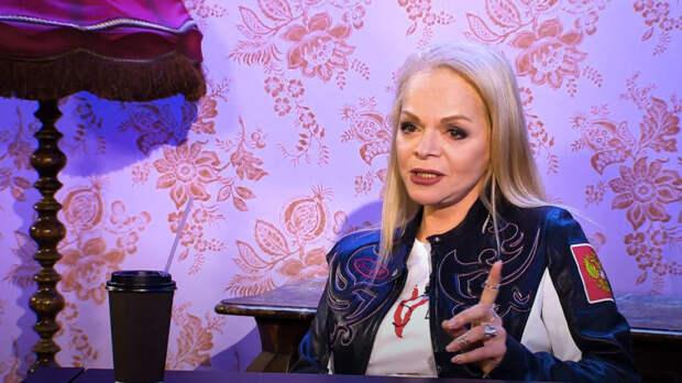 Фанаты Долиной обсуждают новое «честное фото» певицы