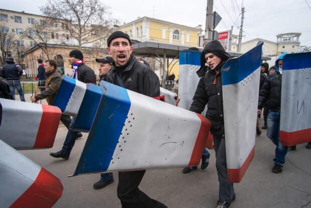 Украине припомнили, сколько всего было ополченцев в Крыму в 2014 году