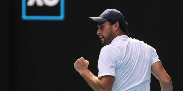 Теннисист Карацев прошел во второй круг турнира