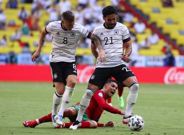 Германия и Португалия устроили голевое пиршество. Немцы забили вдвое больше и ушли с последнего места