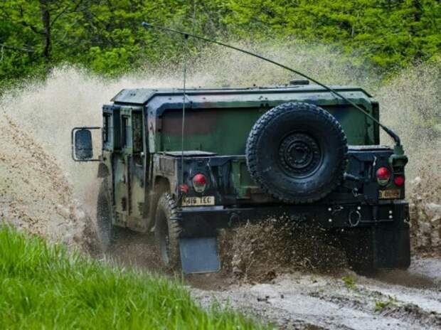 Первый аукцион вездеходов Humvee принес 744 тысячи долларов
