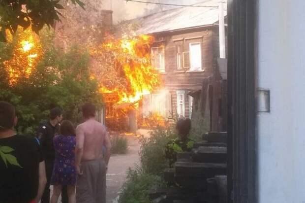 8-летний мальчик рискуя своей жизнью спасал котенка из горящего дома
