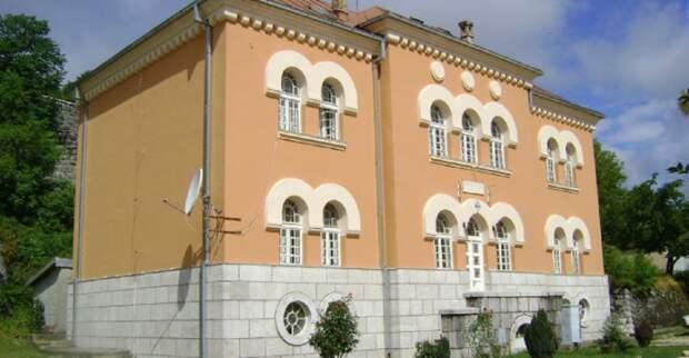 Милосердие по-сербски: Ректор попросил освободить напавших на Цетинскую семинарию малолетних наци