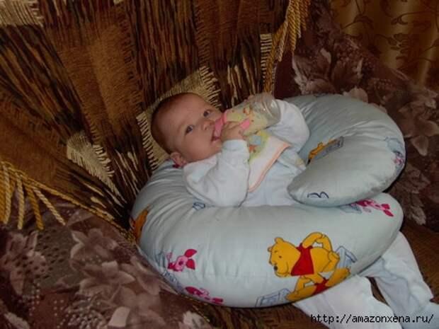 http://img0.liveinternet.ru/images/attach/c/8/102/114/102114608_Kak_sshit_podushku_dlya_kormleniya_maluysha_Vuykroyka_podushki_dlya_kormleniya__5_.jpg
