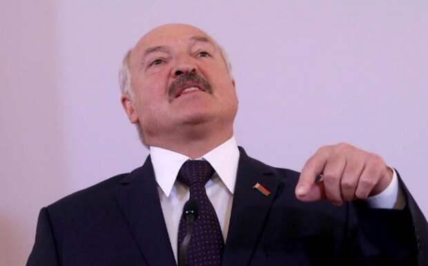 Политолог: Лукашенко взял у России заложников