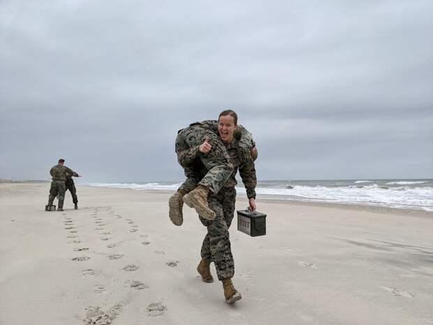 Американские армейские тесты, четырёхдневка для женщин и смена пола у 10-летних детей