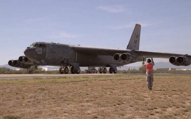 Не стареют душой ветераны: ВВС США успешно расконсервировали B-52