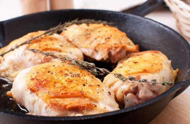 Готовим на старой чугунной сковороде: выбрали рецепты, которые толстый металл делает вкуснее