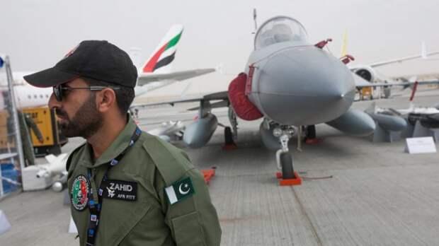 «Ситуация обостряется чрезвычайно быстро»: эксперт рассказал, стоит ли ждать ядерной войны от Пакистана и Индии