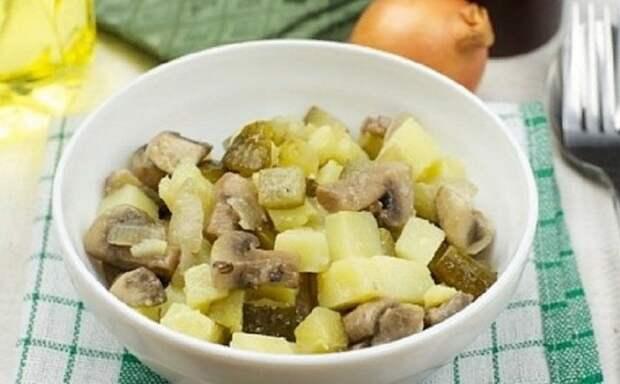 Простой картофельный салат: быстро и из доступных продуктов