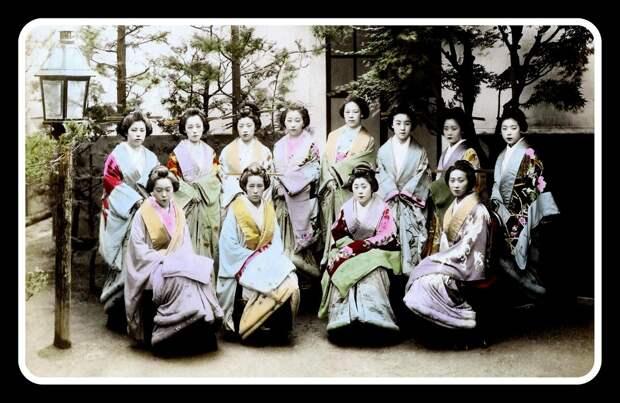 1899. Проститутки в ожидании клиентов