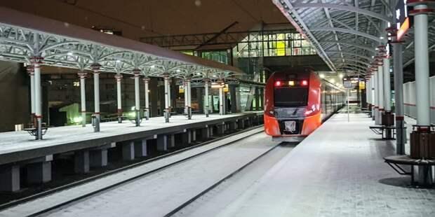 На станциях МЦК «Коптево» и «Лихоборы» установили стойки для зарядки гаджетов