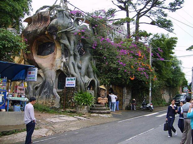 Лунная вилла Hang Nga во Вьетнаме. Фото
