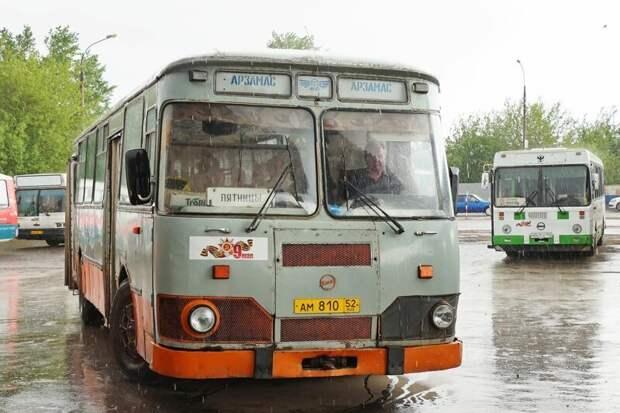 Первое — и главное: в 2019 году 677-е продолжают работать! Арзамас, ЛиАЗ 677, автобус, автомир, лиаз, общественный транспорт, ретро техника