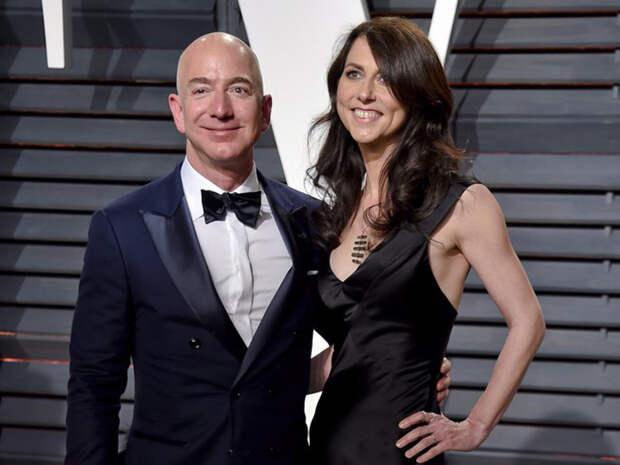 Маккензи Безос: Как живет и что делает супруга самого богатого человека в мире
