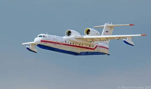 Кабмин выделил два млрд рублей на приобретение Бе-200ЧС для МЧС