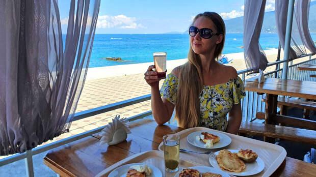 Абхазия 2020. Цены. Самая актуальная информация. Столовые, кафе, продукты, сувениры, экскурсии.