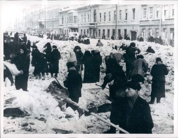 1964. Ленинград. Расчистка Невского проспекта