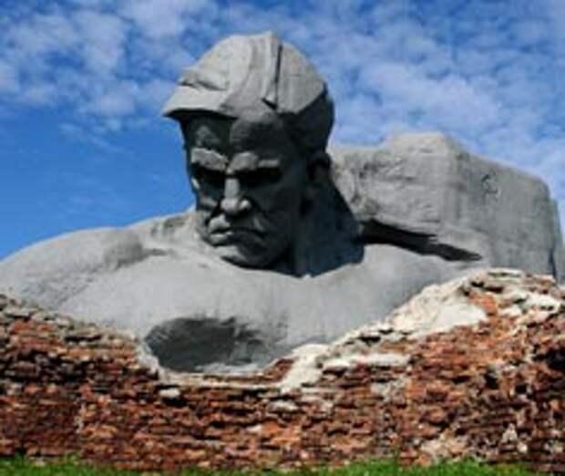 22 июня советский народ превратился в полубогов
