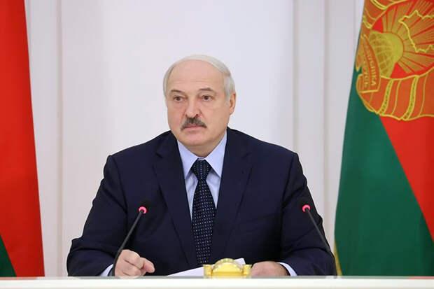 Лукашенко заявил, что дал Тихановской $15 тыс. «нажизнь» в Литве