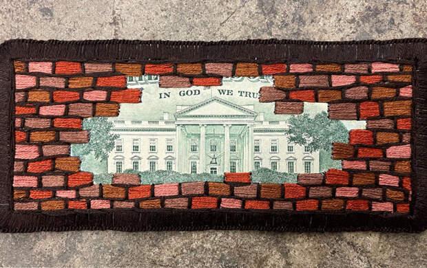 Доллары стали политическим символом