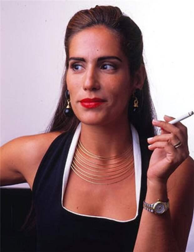 Как сейчас выглядит звезда суперпопулярного в 90-е сериала «Секрет тропиканки» Глория Пирес