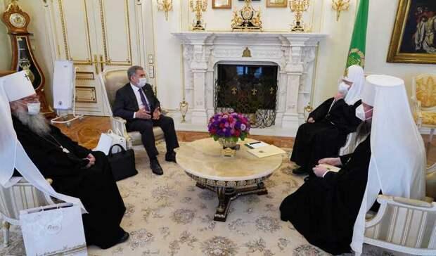 Минниханов попросил патриарха Кирилла освятить собор Казанской иконы Божией Матери