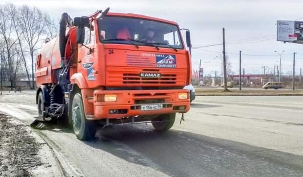 Улицы пропылесосят после зимы: «Тагилдорстрой» выйдет на уборку дорог в Нижнем Тагиле