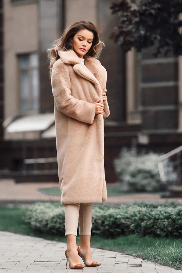 Минус 10 лет. 5 примеров верхней одежды, которые помогут выглядеть моложе