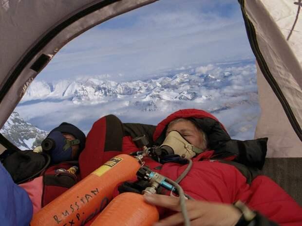 Илья, Эверест 8300