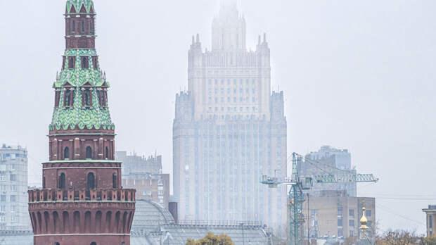 Визовый тупик: Русские дипломаты обвинили США в начале войны