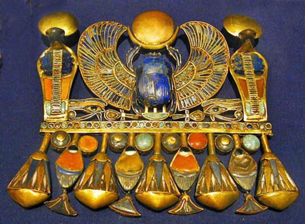 Египетская жрица Меретитис и певец Кахай. Скарабей – сакральный символ с тысячелетней историей (2 статьи)