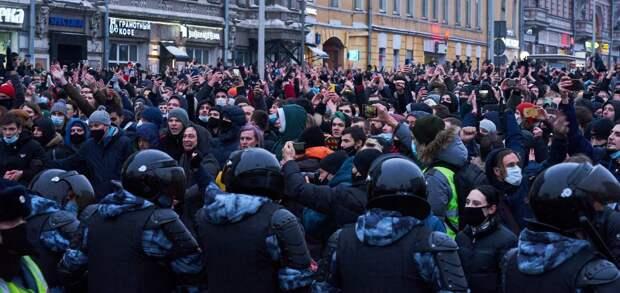 «Гнусней всего смотрятся подстрекающие россияне, покинувшие страну»