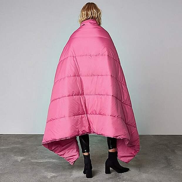Куртка-трансформер со «встроенным» одеялом не даст замёрзнуть.