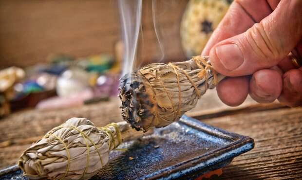 Зря мы ёрничали над шаманами: как окуривание дымом разрушает «бактерии-убийцы» в нашем теле